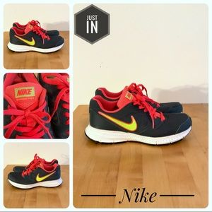 Nike Downshifter 6 Running Shoes Size 6